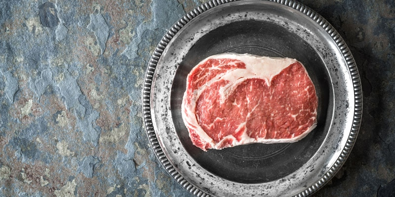 leave steak out before cooking